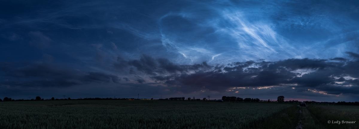 Leuchtende Nachtwolken – dieZweite